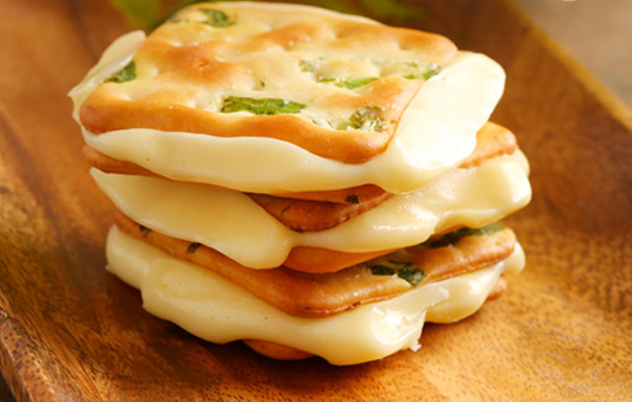 【蘿蒂烘焙坊】爆漿香酥厚實牛軋夾心餅(低糖/低熱量)(可備註加購手提紙袋2元)(任選20贈1)